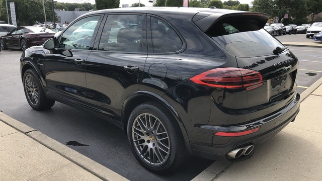 Certified Pre-Owned 2018 Porsche Cayenne S Platinum Edition E-Hybrid