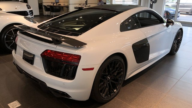 Pre-Owned 2018 Audi R8 Coupe V10 plus
